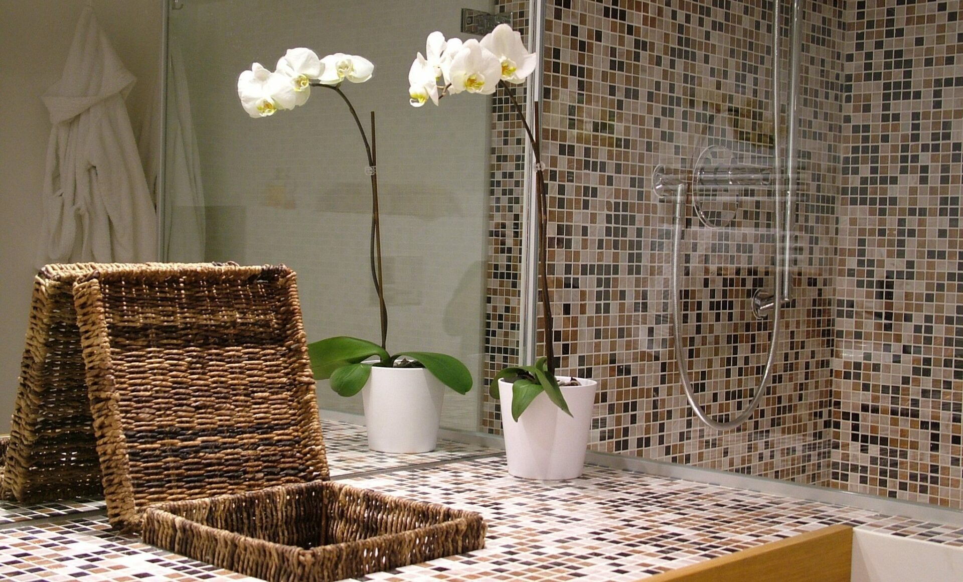 Badezimmer Waschtisch Dusche Mosaik