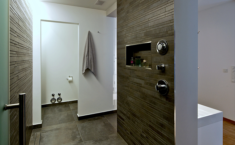 Badezimmer Dusche offen