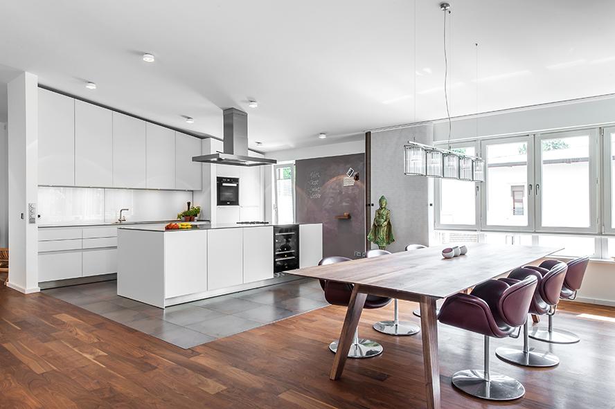 Wohnküche Esstisch Küchenblock